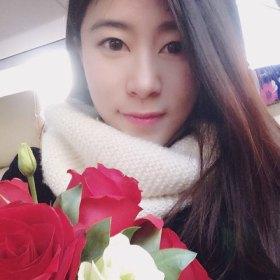 米亚Miya 28岁 期望两年内结婚 湖北-武汉 163cm 10W以下 中国画硕士研究生,今年毕业。热爱旅游、电影、绘画。想找个志趣相投三观一致的人。
