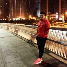 阳明Gary 32岁 期望一年内结婚 河南-郑州 178cm 10W~20W 郑州土著;天蝎座;高中外语,本科南开,硕士郑大;媒体人出身,金融从业者;篮球、电影、历史、摄影、写作;执念极致。