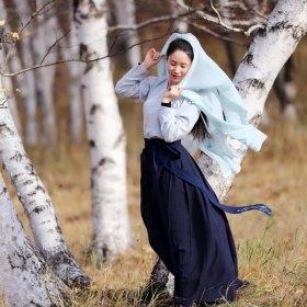 林芷安 35岁 期望两年内结婚 北京 168cm 10W~20W 音乐教师,为人正直真诚,对自己的生命有要求。喜欢一切简单美好的事物,爱好比较多,旅行、音乐、话剧、舞蹈、摄影、美食等等,最近也在打网球。 浙江温州人,来京十几年,户口、房、车已备,工作稳定生活充实,单身多年不是因为我太清高,只是太执着等那个对的人,这辈子只想为爱情结婚,如果1+1不能大于2结婚对我没什么意义。