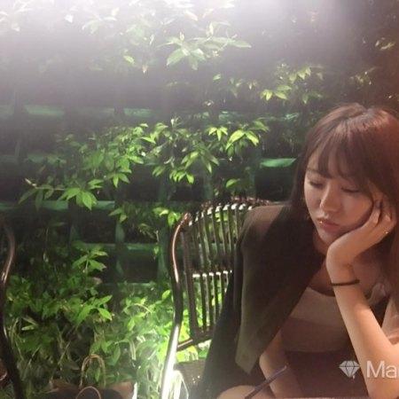 请输入… 27岁 167cm 10W~20W 金牛座 上海-长宁区  喜欢电影,喜欢旅游,喜欢一切美好的~~