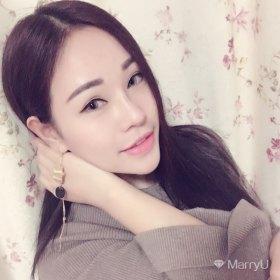 爱笑的眼睛 25岁 期望两年内结婚 湖北-武汉 165cm 10W~20W 我是一个乐观的女孩,一个自信的性格,一个放松的状态,以及让人一种亲近的感觉这就是我