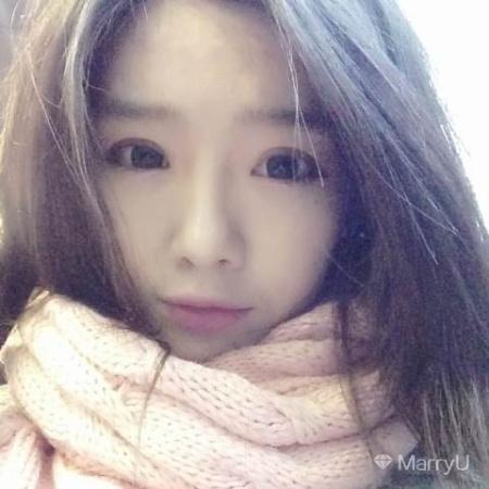 Yuna 28岁 163cm 20w~30w 白羊座 北京-朝阳区  好看的皮囊千篇一律,有趣的灵魂万里挑一。
