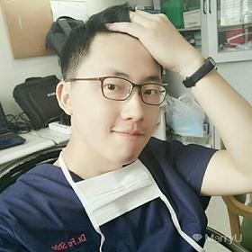 菲利普爱玩刀 30岁 期望一年内结婚 上海 185cm 10w~20w 会做手术,会做饭,爱射箭,爱篮球。来自山东的新上海人。平常上班太忙,社交匮乏,所以寄希望于这款软件让我找到对的人。不找医护人员,因为大家都太忙了,而且如果我老婆这么忙,我会心疼。不找异地。