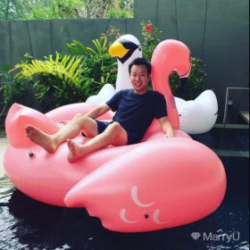 Stephen 29岁 期望两年内结婚 广东-深圳 178cm 100W以上 名校海归,有自己的事业,还有一颗大叔的内心...  p.s.这个看得不多