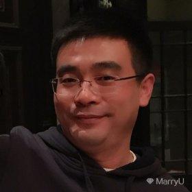 Mac 39岁 期望一年内结婚 江苏-苏州 172cm 100W以上 想结婚了,其实一直都想结婚。但是因为工作的变动,大连、成都、上海;美国、德国、澳洲,就这么耽误了。中年男青年,有点成熟,也有点可爱,有点文艺,也有点理性。有理想,也能接地气。其实,每个人都是个复杂的综合体。最大的优点是靠谱,是靠谱,是靠谱。在这个纷杂变化的时代,靠谱变的越来越难能可贵了,所以重要的事情要说三次!
