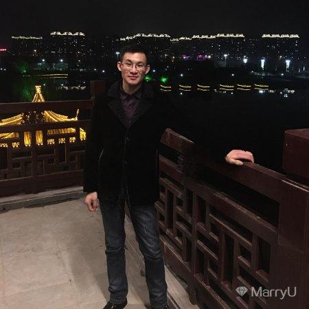 李飞 24岁 178cm 10W以下 双鱼座 江苏-扬州  我想找一个永远关心,照顾我的人