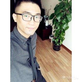 Moro 33岁 期望一年内结婚 上海-上海 175cm 15W~20W 30岁前工作狂,疯狂兼职全年无休没有自己的生活。30岁后有房有车慢慢转入佛系,宅家做饭喝茶,原则上拒绝夜店及喝酒。一个人一只猫独自生活,80后空巢老人本人。找个人陪,一起生活,一起变老。