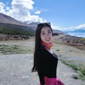 Rosiiie 28歲 期望兩年內結婚 北京-西城區 175cm 20W~30W 北京姑娘,身材高挑,性格隨和,熱愛旅行。尋在京成熟穩重男士為伴。