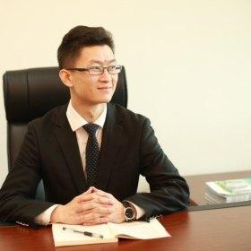 劉其松 28歲 期望一年內結婚 江蘇-南京 168cm 30W~50W 在南京工作,律師,收入穩定,揚州人不是高富帥,有房但不在南京,有車,該結婚了!